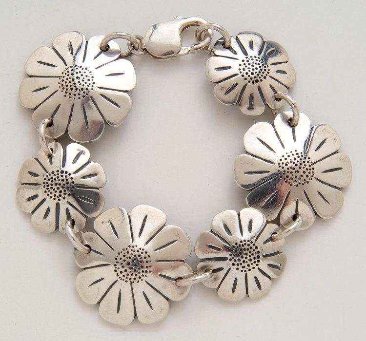 Daisy Half & Qtr Bracelet