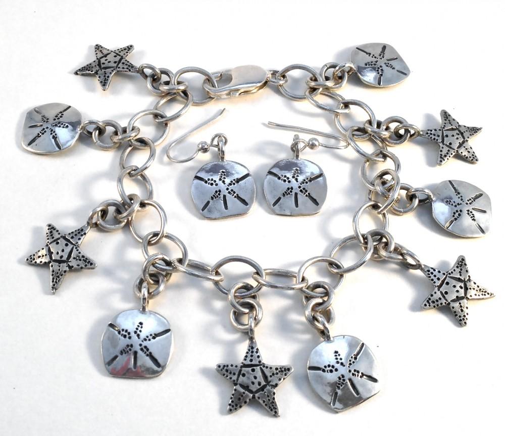 10-Dime Sand Dollar & Starfish Charm Bracelet